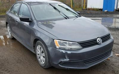 14tys net VW Jetta 2011  2.0 8v 115km ( stary silnik pod LPG )
