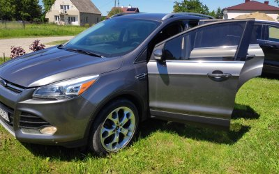 251_Ford_Escape_2013_Titanium
