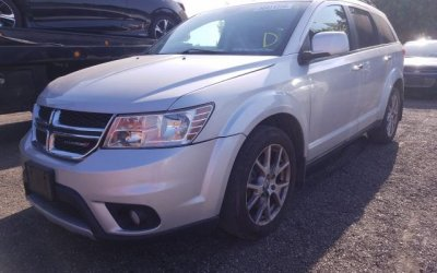 24,310+vat_385_Dodge_Journey_RT_2014_Skóra_4x4
